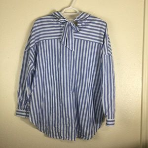 curve appeal Tops - Curve appeal striped shirt with back bow. Size S